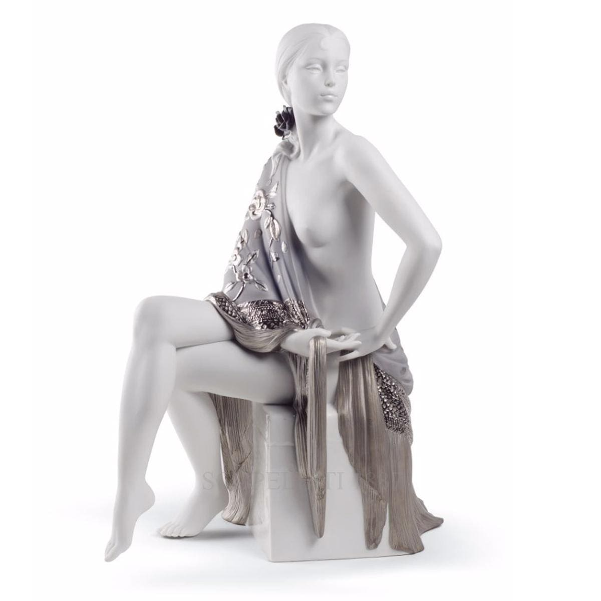 Lladró Nude With Shawl Porcelain Figurine