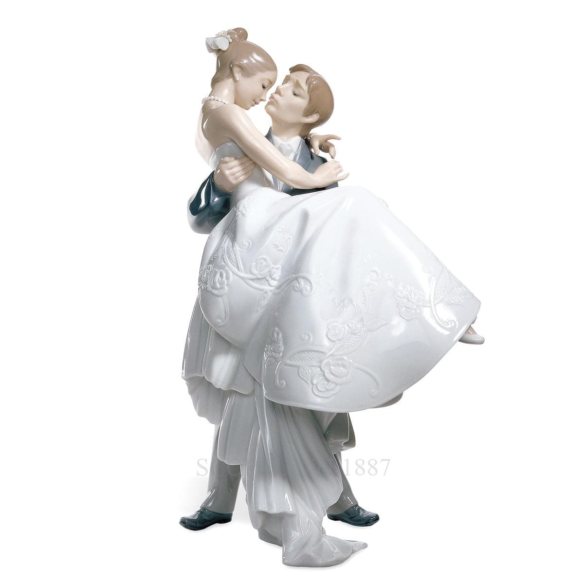 lladro the happiest day porcelain figurine spanish designer