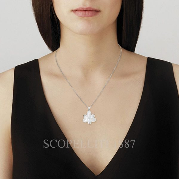 lalique fleur de neige small pendant1 10610000